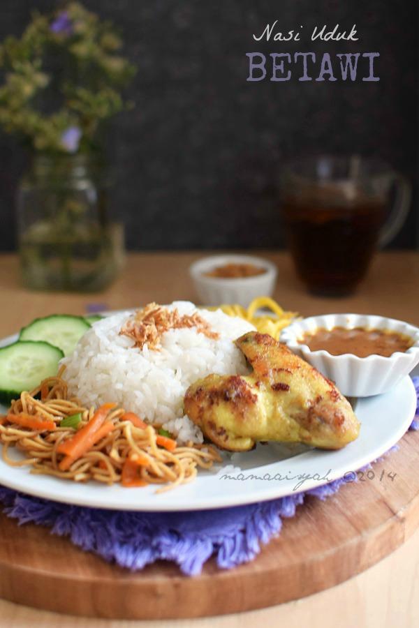 Nasi Uduk Rice Cooker & Ayam Goreng Ungkep Bumbu Kuning