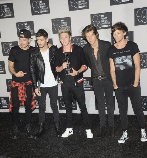 New One Direction single in its entirety online