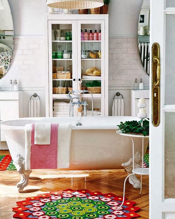 Baños Estilo Bohemio:Un baño bohemio con bañera vintage { A boho bathroom with a vintage
