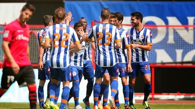El Deportivo gana al Mallorca y apunta a primera