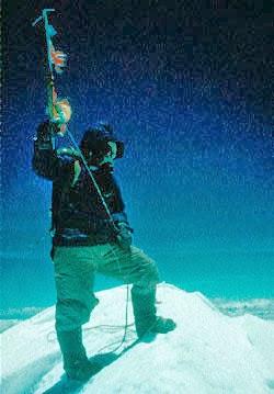Tenzing Norgay en la cima del Everest