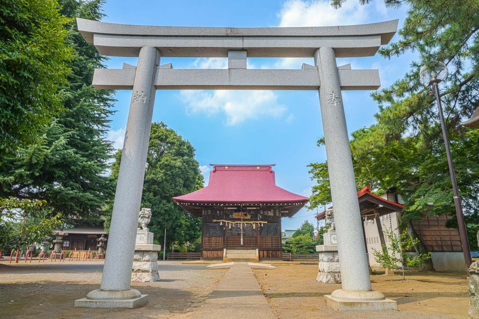 東村山市にある八坂神社の鳥居の写真