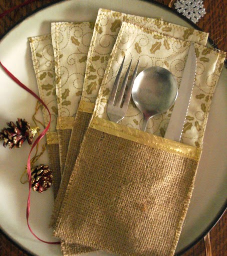 Lina and Vi - Holiday Collection - Burlap Silverware Holders - linaaandvi.blogspot.com