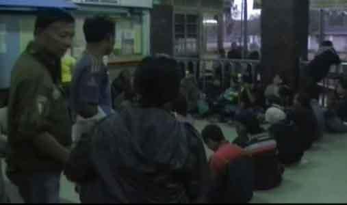 Surabaya, 21 Nopember 2011