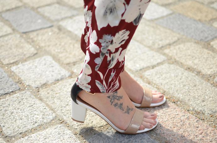 nude-sandals