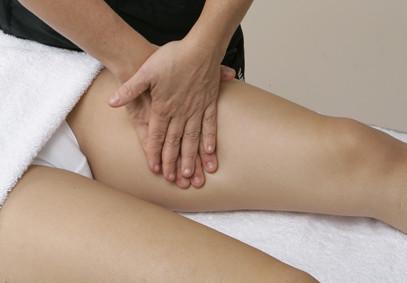 La spina dorsale nel mezzo di un dorso fa male che fare