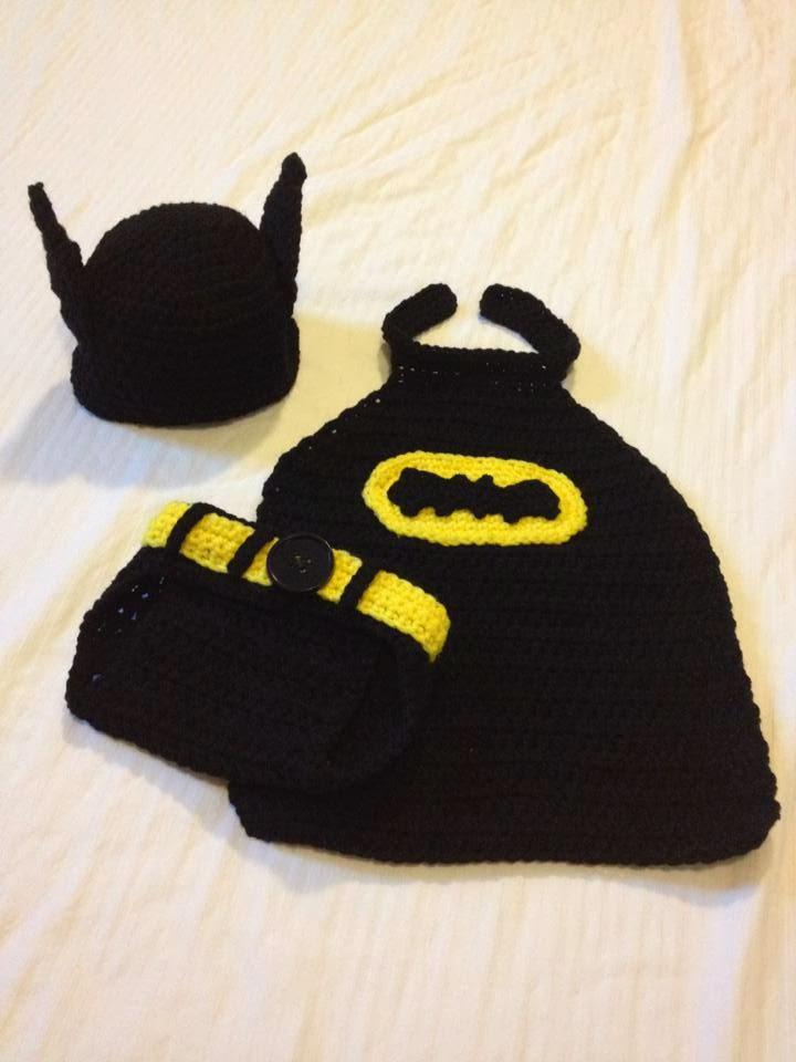 Crochet newborn outfits a batman set that includes a hat with batman ears cape and diaper cover dt1010fo