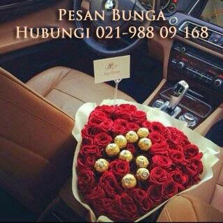 hand buket bunga mawar, handbpuquet, toko bunga di jakarta, bunga mawar merah, rose pink, bunga rose putih