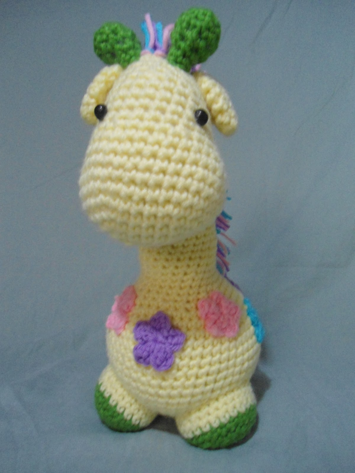 Amigurumi Flower Free Pattern : Lennon Giraffe The Duchess Hands
