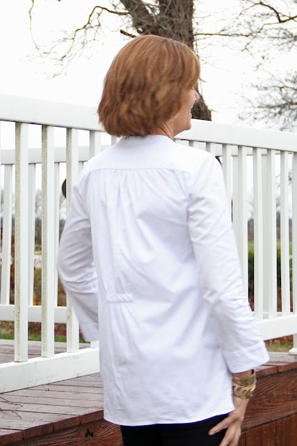 Mood Fabrics' White Pinpoint Cotton Shirting Tunic - Butterick 6208 - back