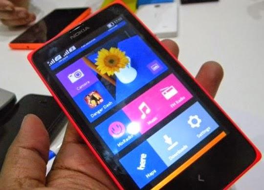 Nokia X Dual SIM Dalam Genggaman Tangan