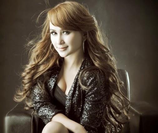 Indonesian dangdut singer behind the scene - 2 4