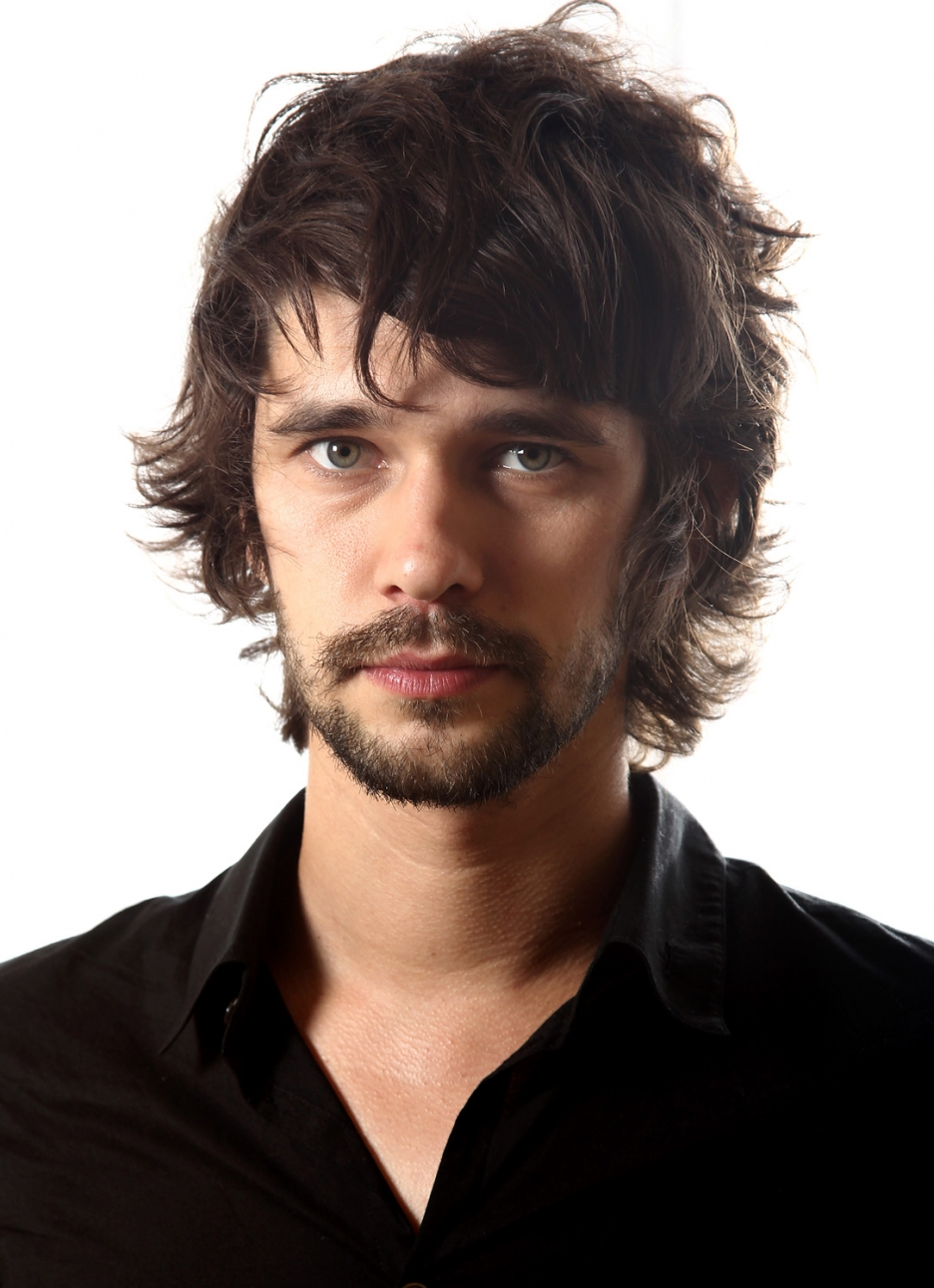 Freddie Mercury sera interprété par l'excellent Ben Whishaw ! dans Films Ben_Whishaw_Photo2