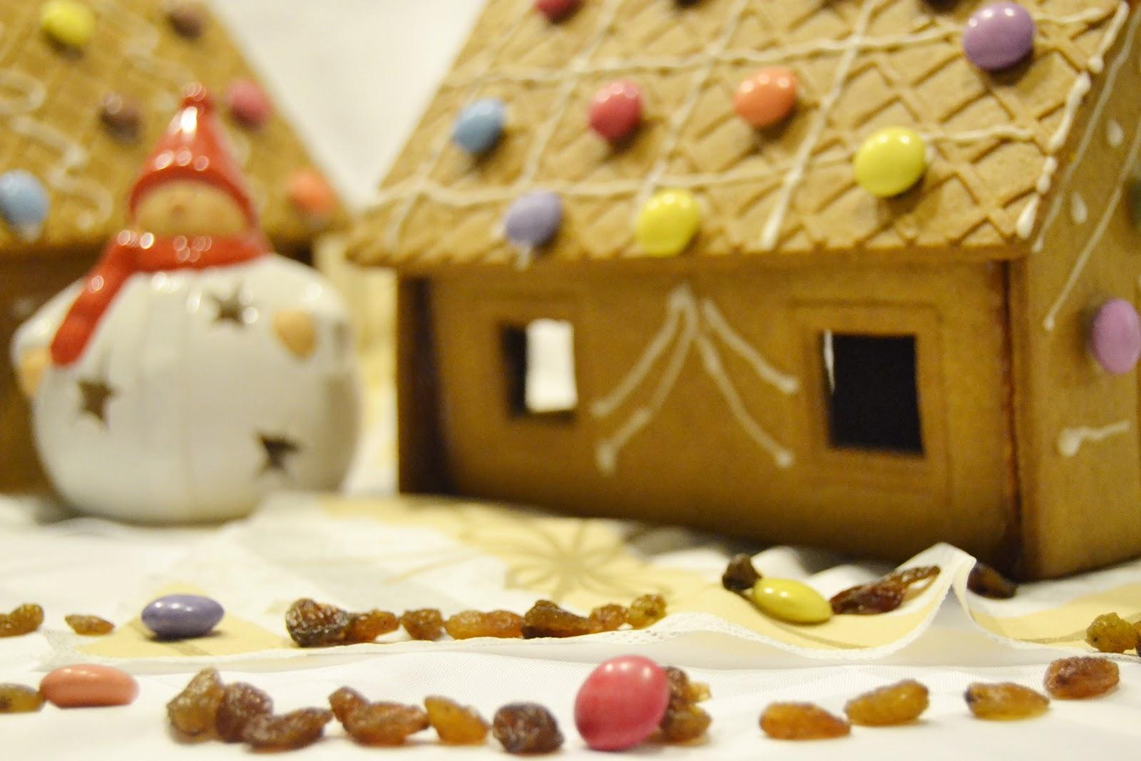 Casetta Di Natale Con Biscotti : Bambini di roma decora la casetta di biscotto bambini di roma