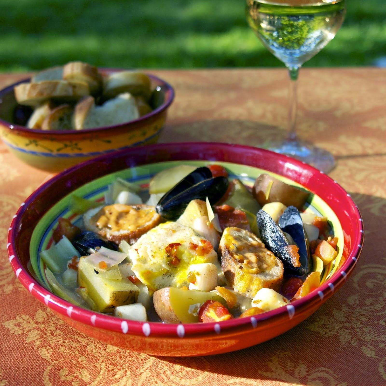 Slow Cooker Bouillabaisse: Fisherman's Stew: simplelivingeating.com