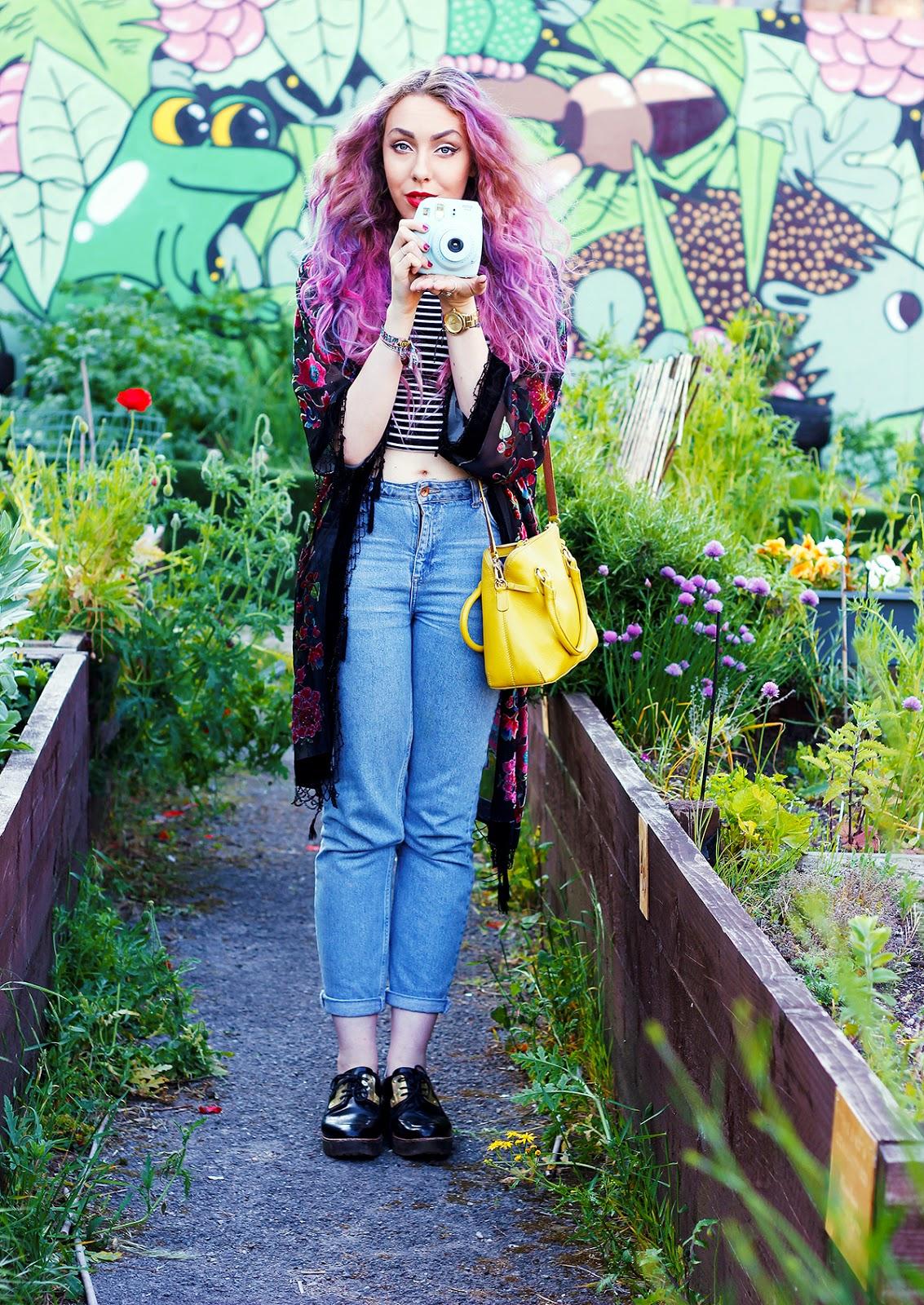 Blogger Fuji Instax Mini 8 Blue festival photos