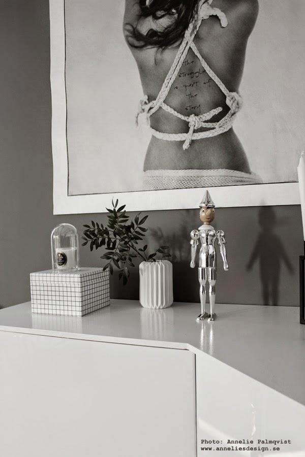 webbutik med inredning, pinocchio, silver, äkta silver detaljer, inredning, webshop, interior, interiör, detaljer, vitt, grått, gråa,