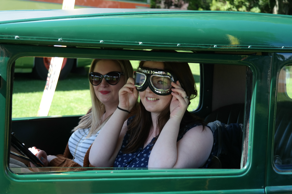Aberdeen Bloggers' Meet Up at Duthie Park - Amey and Hannah in vintage car