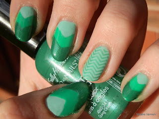 green-day-4-31-day-challenge-chevron-tape-stamping