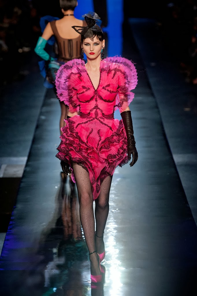 Dita Von Teese Rocks Jean Paul Gaultiers Couture Show In Paris photo 7