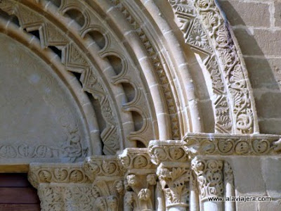 Portada Iglesia San Miguel Foces, Huesca