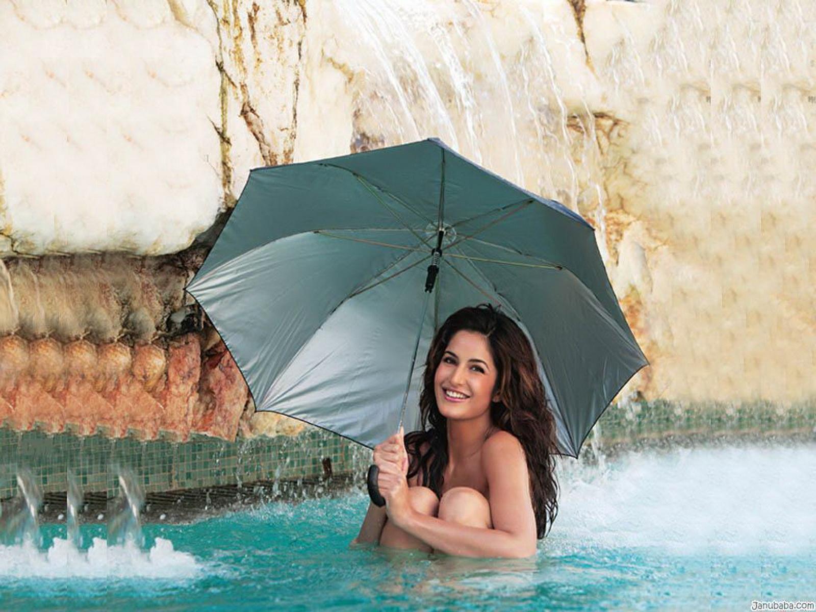 http://3.bp.blogspot.com/-wPE7i8lhcIA/UTdFu0A_R8I/AAAAAAAABVI/sVCxvTL259w/s1600/Bollywood-Actress-Katrina-Bold-Picture.jpg
