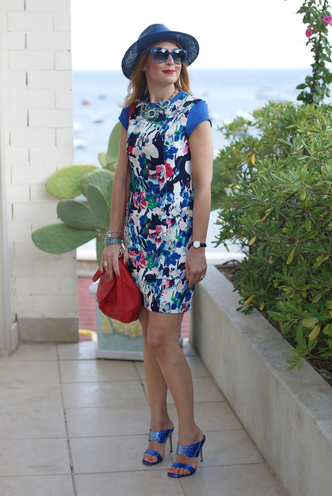 Mismash Ela dress and Le Silla crystal sandals on Fashion and Cookies fashion blog