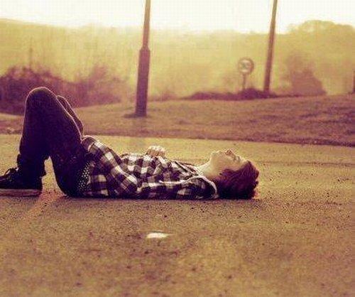 alone-boy-sad-cute-dp-love-fashionSad Boy Alone In Love