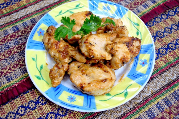 Toum Chicken - Chicken with Garlic Sauce