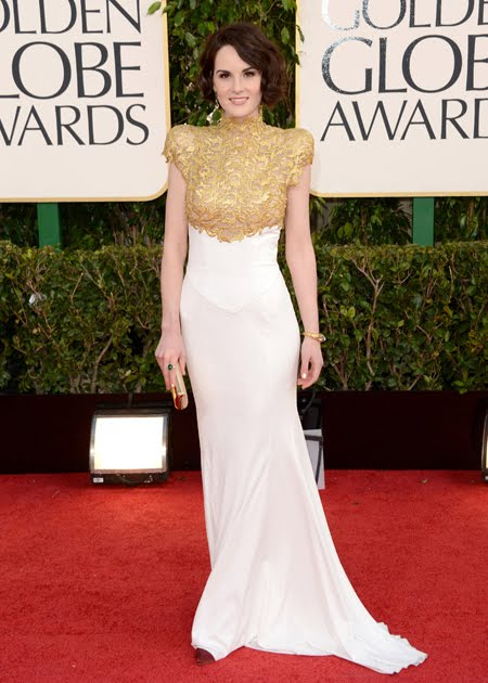 Мишел Докъри в бяла рокля със златна дантела Alexander Vauthier