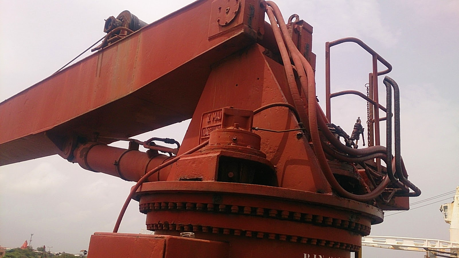 Mechanical Ship Crane, Ship deck equipment