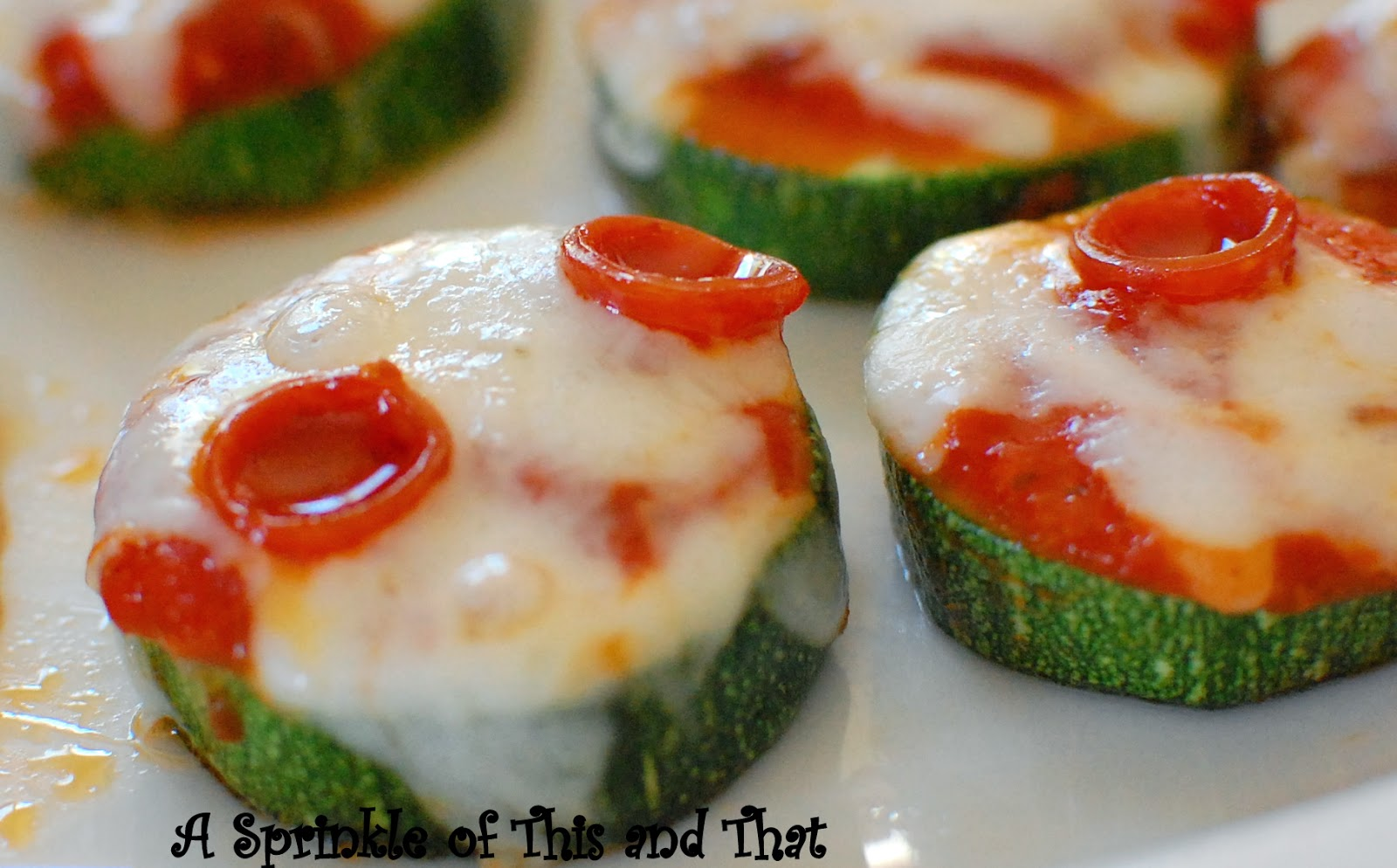 Sprinkle of This and That: Zucchini Pizza Bites