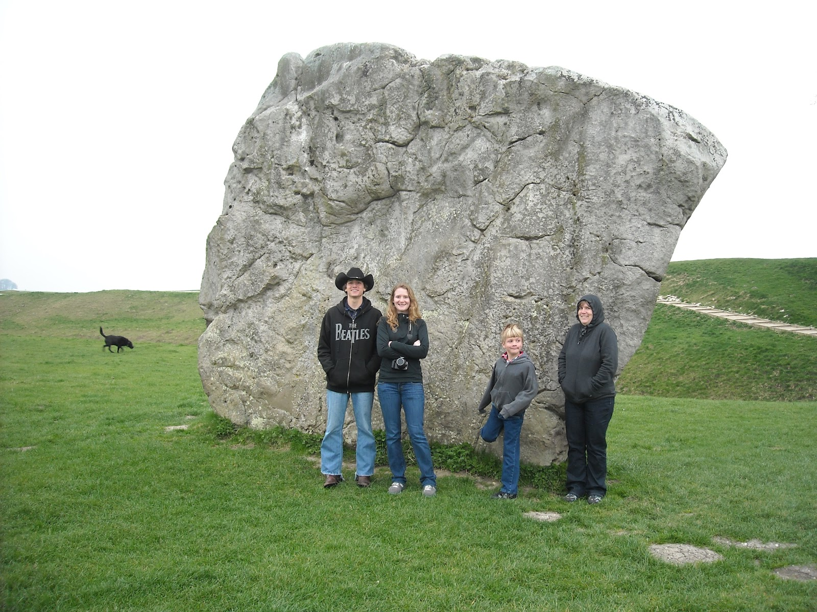 a study on stonehenge avebury durrington walls and woodhenge About imagine yourself walking in the footsteps of neolithic revellersexplore the stonehenge world heritage site and especially the close connections between the two great henge monuments.