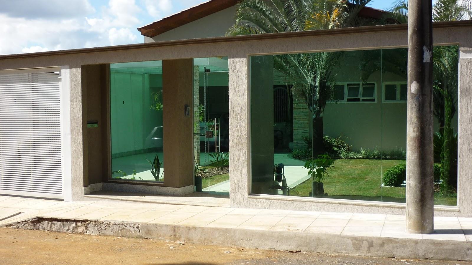 Fachadas de casas com muros residenciais: Modelos