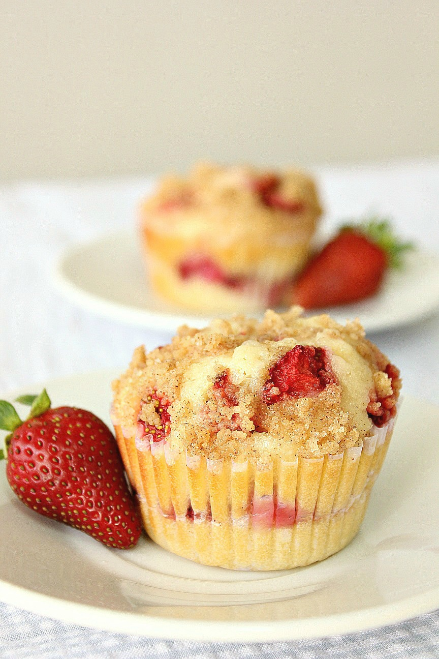 Food Wanderings : Strawberry Cheesecake Muffins {Breakfast ...