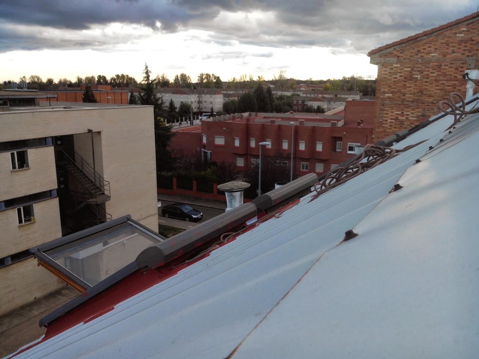 Estamos realizando reparaciones de goteras en cubiertas de panel sándwich en León y provincia. Somos una empresa que se dedica a las reparaciones y reformas de cubiertas de todo tipo en León información en el tlf 618848709 y 987846623, pide tu presupuesto sin compromiso.