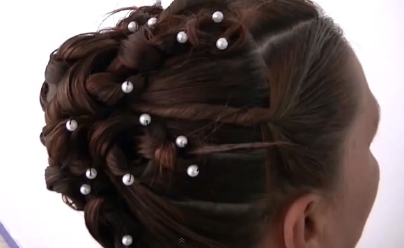 15 formas de llevar el pelo rizado Vogue - Peinados Con Trenzas Youtube