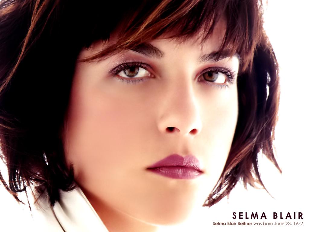 http://3.bp.blogspot.com/-wQNjY01YTOo/TdMtUyBNW6I/AAAAAAAAo8g/zXcFbE7wQH4/s1600/Selma_Blair_002.jpg