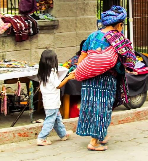 por en típicas paso Guatemala De Vestimentas xpFYBwqXX