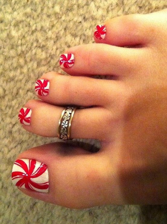 http://trendseve.com/beauty-styles/stunning-nail-paint-toe-nail-art-designs.php