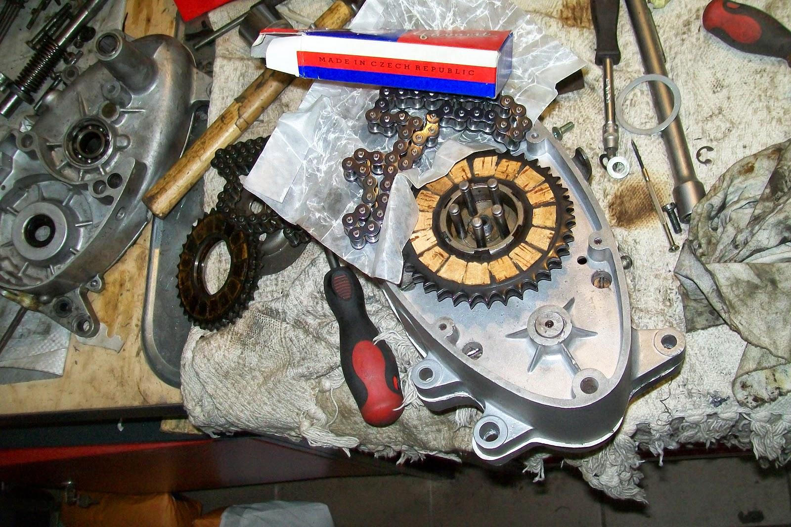 Jawa montaż silnika