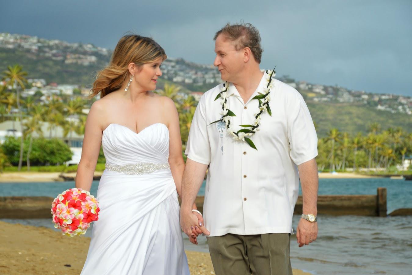 Happy Hawaii Wedding