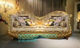Mebel ukir jati jepara,Sofa classic ukir jepara,Sofa ukir jepara Jual furniture mebel jepara sofa tamu klasik sofa tamu jati sofa tamu antik sofa tamu jepara sofa tamu cat duco jepara mebel jati ukir jepara code SFTM-22100