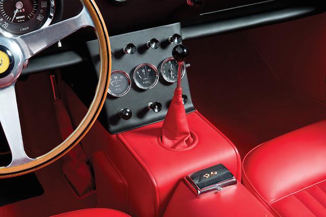 1962年製「フェラーリ400スーパーアメリカ SWB カブリオレ」