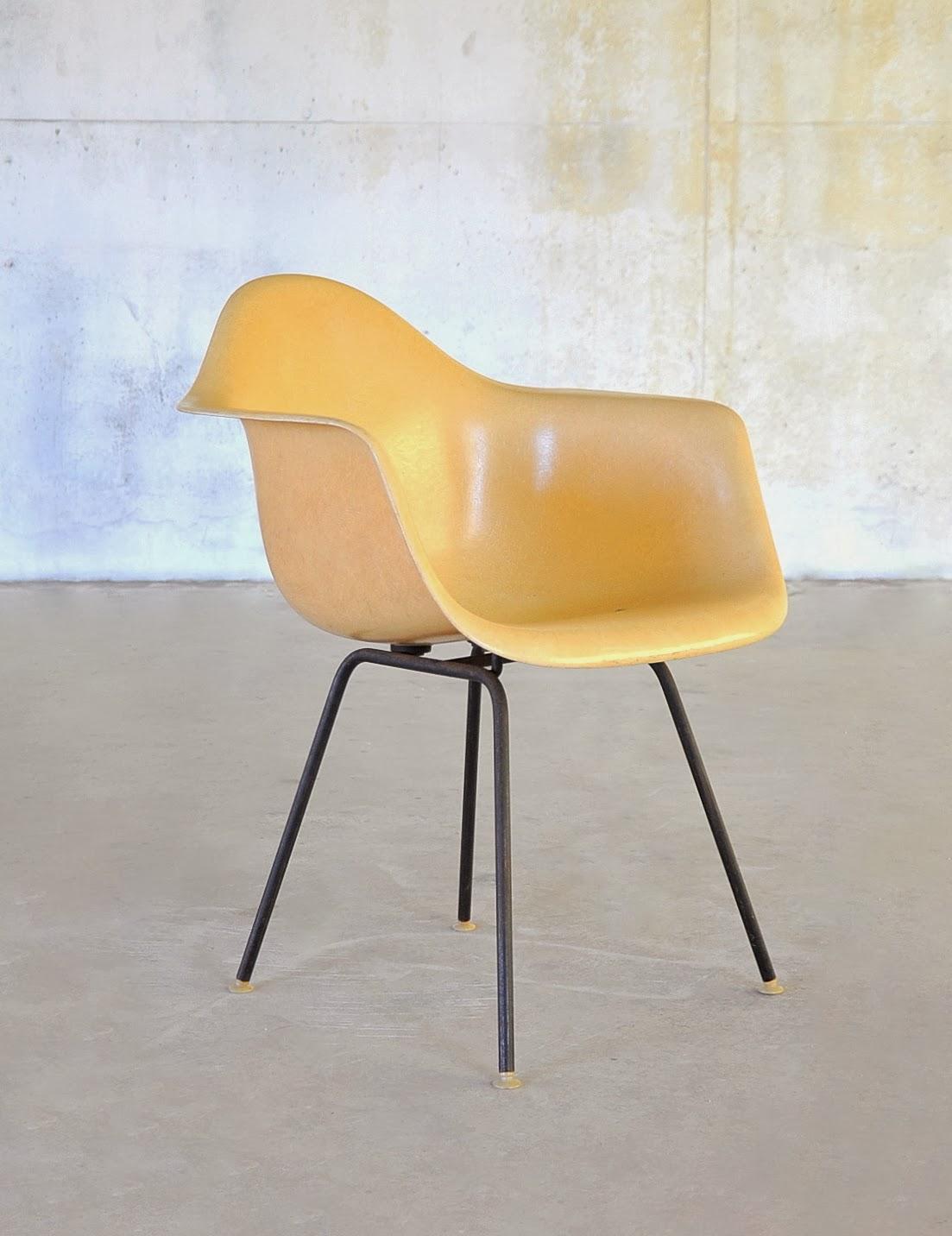 Select modern eames fiberglass shell chair