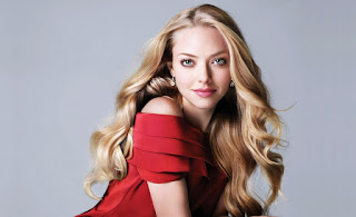 Amanda Seyfried Dress Red Riding Hood Young Amazing Looking Glamour HD Wallpaper
