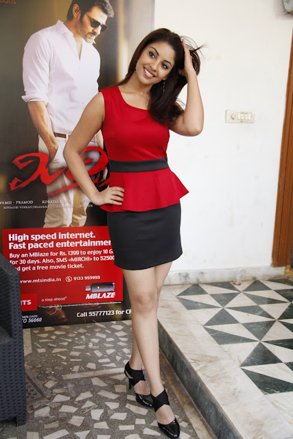 Richa Gangopadhyay latest hot pictures in Mirchi