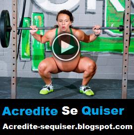 Mulher Grávida de 9 Meses Treina Normalmente Com Pesos de 100kg