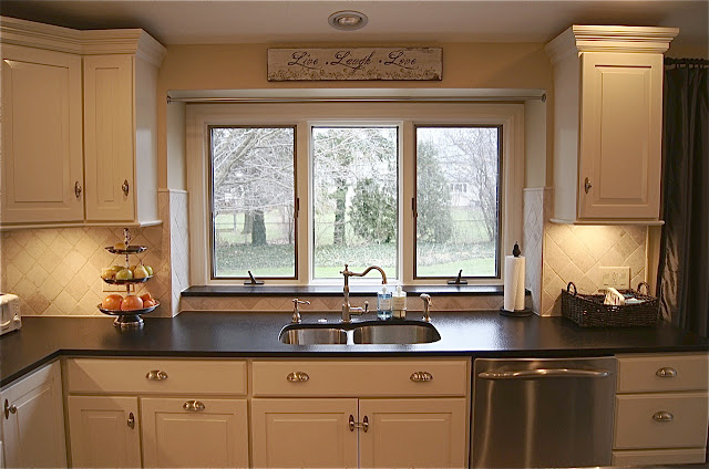 Small Kitchen Makeovers Ideas