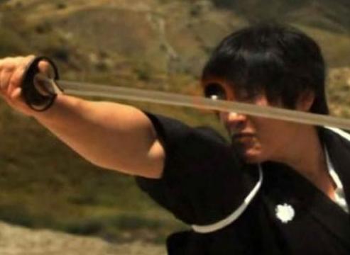 Aksi Nyata Samurai Menangkis Peluru Dengan Katana